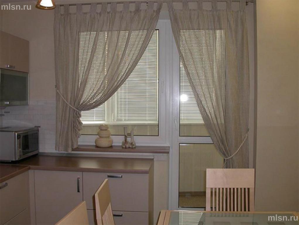 Как сделать тюль на окно с балконом.